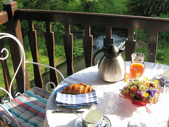 breakfast on wheel room balcony